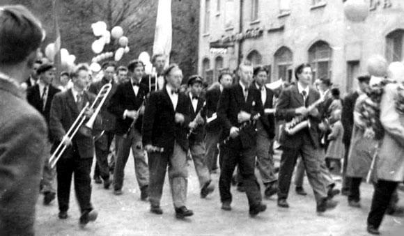 KVICKSOUND presenterar Hallstahammars Musikkår från 1934 och framåt